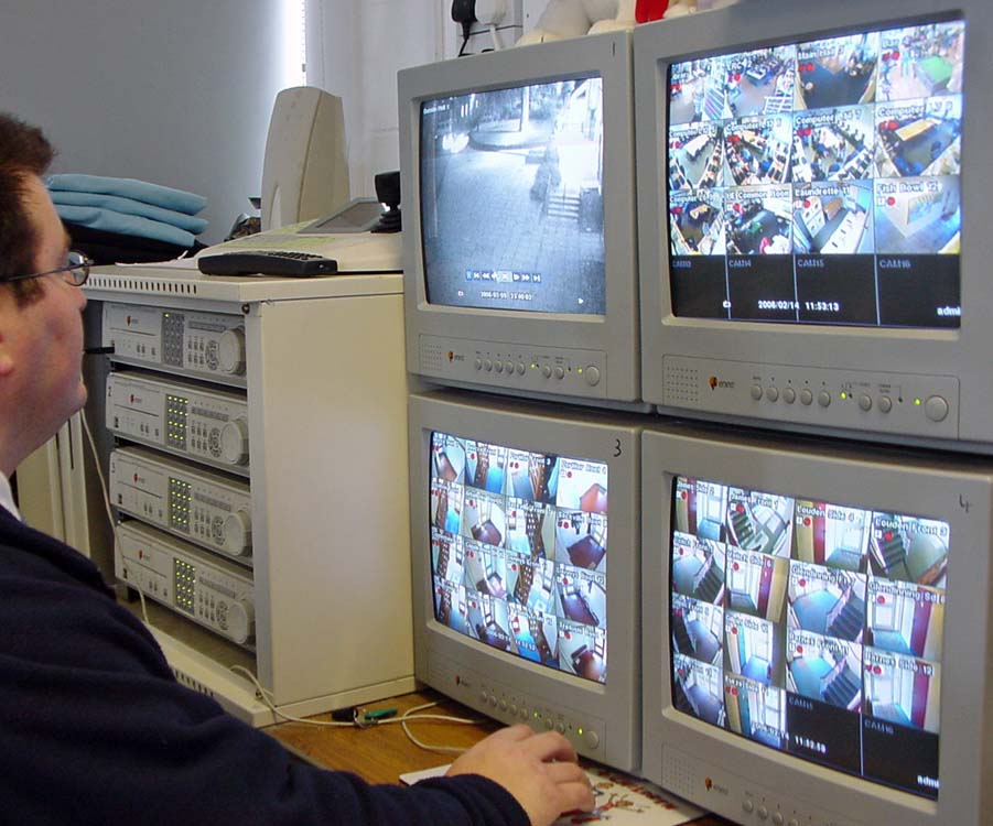 college-cctv-control-oom